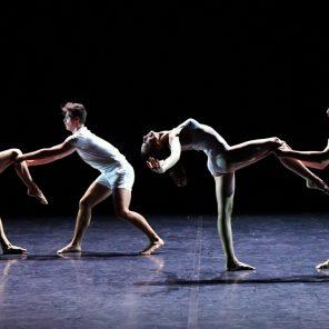 Gravité, chorégraphie d'Angelin Preljocaj, Chaillot-Théâtre National de la danse