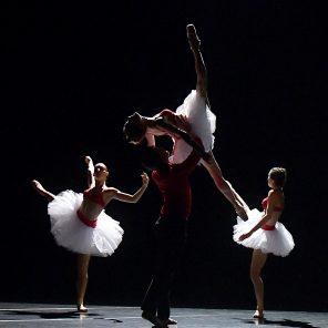 Ghost et Still Life, chorégraphie d'Angelin Preljocaj, au CENTQUATRE-PARIS / Festival Séquence Danse