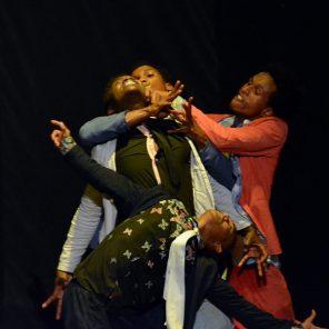 1. Et si demain, Nidal Abdo, collectif Nafass – 2. Jusqu'à L, Akeem H. Ibrahim, Cie Uni'Son – 3. Soyons fous, Salim Mzé Hamadi, Cie Tché-za – à l'Institut du Monde Arabe, Festival Printemps de la danse arabe #1