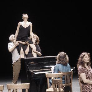 Pièce d'actualité n°13 : La peine, conçu et mis en scène par François-Michel Pesenti à La Commune - Aubervilliers
