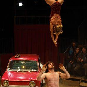 Pour le meilleur et pour le pire, Cirque Aïtal, de et avec Kati Pikkarainen et Victor Cathala, Le Monfort