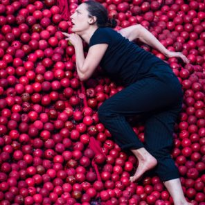 An apple a day, de Fanny Decoust, au Festival Parade(s), Nanterre