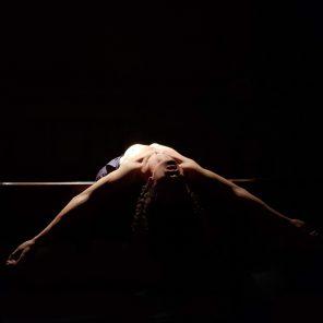 Roi du silence, de et par Geoffrey Rouge-Carrassat, au Théâtre des Barriques, Avignon OFF 2019