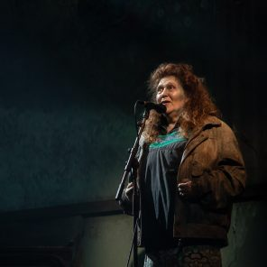 La fin de l'homme rouge, mise en scène et adaptation d'Emmanuel Meirieu d'après le roman de Svetlana Alexievitch au Théâtre des Bouffes du Nord
