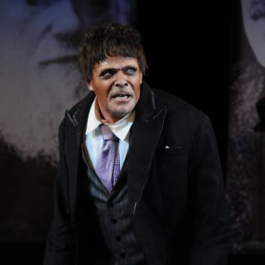 Le Gorille, d'après Franz Kafka, mise en scène Alejandro Jodorowsky