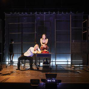 Presque égal à de Jonas Hassen Khemiri, mise en scène de Laurent Vacher, la Manufacture, Nancy