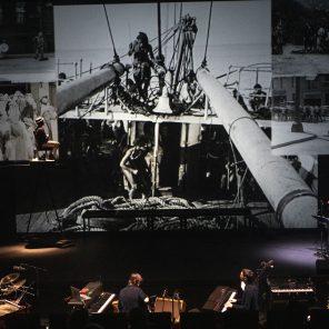 Buster, d'après le film La Croisière du Navigator de Buster Keaton, adaptation et mise en scène de Mathieu Bauer au Nouveau Théâtre de Montreuil - CDN