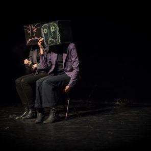Les Petites Géométries, conception et interprétation Justine Macadoux et Coralie Maniez - Cie Juscomama, au Théâtre Paris-Villette