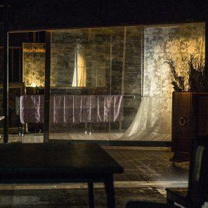Item, mise en scène de François Tanguy, par le Théâtre du Radeau au T2G – Théâtre de Gennevilliers avec le Festival d'Automne à Paris