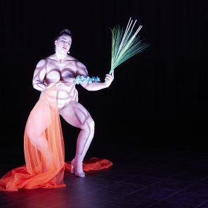 Hate me, tender, concept et performance Teresa Vittucci, Centre Culturel Suisse, Festival faits d'hiver