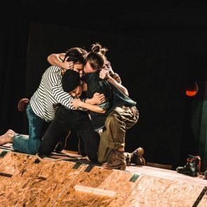 Chroniques Pirates, Création commune de la Compagnie en Eaux Troubles, Mise en scène Paul Balagué, Théâtre L'Échangeur Bagnolet