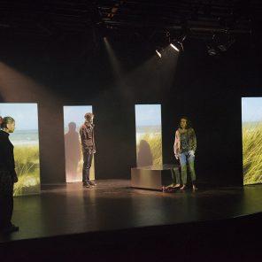 À l'infini du baiser, de Frédérique Keddari-Devisme, Mise en scène de l'auteur et de Vincent Reverte, Théâtre de Belleville