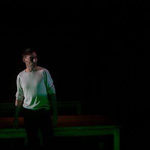 Nous campons sur les rives, de Mathieu Riboulet, mis en scène par Hubert Colas, au Théâtre de Nanterre Amandiers