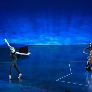 The Day, de Lucinda Childs, avec Wendy Whelan et Maya Beiser, au Théâtre de la Ville-Espace Cardin
