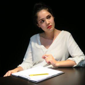 Monstre-moi, de Laëtitia Leroy, mis en scène par Laëticia Leroy, au Théâtre La Croisée des chemins