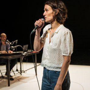 Stallone, d'après Emmanuèle Bernheim, mis en scène par Fabien Gorgeart au Théâtre du Fil de l'eau, Pantin