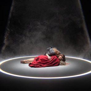 BIG SISTERS, conception, chorégraphie et scénographie Théo Mercier et Steven Michel, au Centre Pompidou, dans le cadre de la programmation hors les murs de Nanterre Amandiers