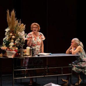 Vivre!, un spectacle de Frédéric Fisbach, inspiré du Mystère de la charité de Jeanne d'Arc de Charles Péguy, à La Colline - Théâtre National