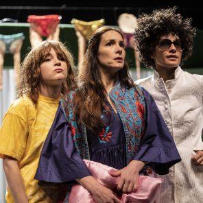Les Femmes de la maison, écriture et mise en scène Pauline Sales, Théâtre Scarron, Le Mans