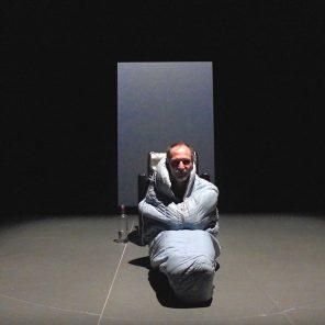 Kolic, de Rainald Goetz, un projet d'Antoine Mathieu, mise en scène d'Alain Françon, au Théâtre 14