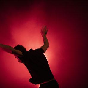Les possédés d'Illfurth, texte de Yann Verburgh en collaboration avec Lionel Lingelser, mise en scène et interprétation de Lionel Lingelser, au Monfort Théâtre