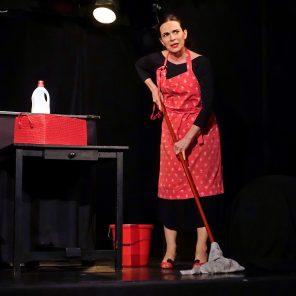 Gardiennes, de et avec Fanny Cabon, mis en scène par Bruno de Saint Riquier, Studio Hébertot