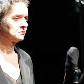 Violente(s), de Léa Gauthier, adaptation et conseil musical Thierry Bedard, mise en scène de Sébastien Derrey, à Bagnolet – Théâtre L'échangeur