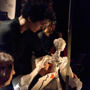 Je hurle, de Eric Domenicone, Mirman Baheer mis en scène par Eric Domenicone, 11. Avignon, Festival d'Avignon (Off)