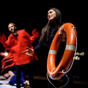 La révérence, du collectif La poursuite, mis en scène par Hala Ghosn, 11.Avignon, Festival d'Avignon (Off)