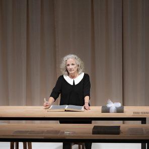 Les règles du savoir-vivre dans la société moderne, de Jean-Luc Lagarce, mise en scène de Marcial Di Fonzo Bo, Au Théâtre du Petit Saint-Martin